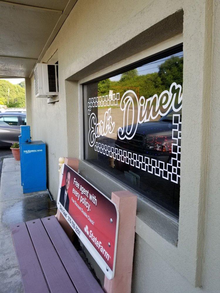 Earl's Diner: 308 E Stuart Dr, Hillsville, VA