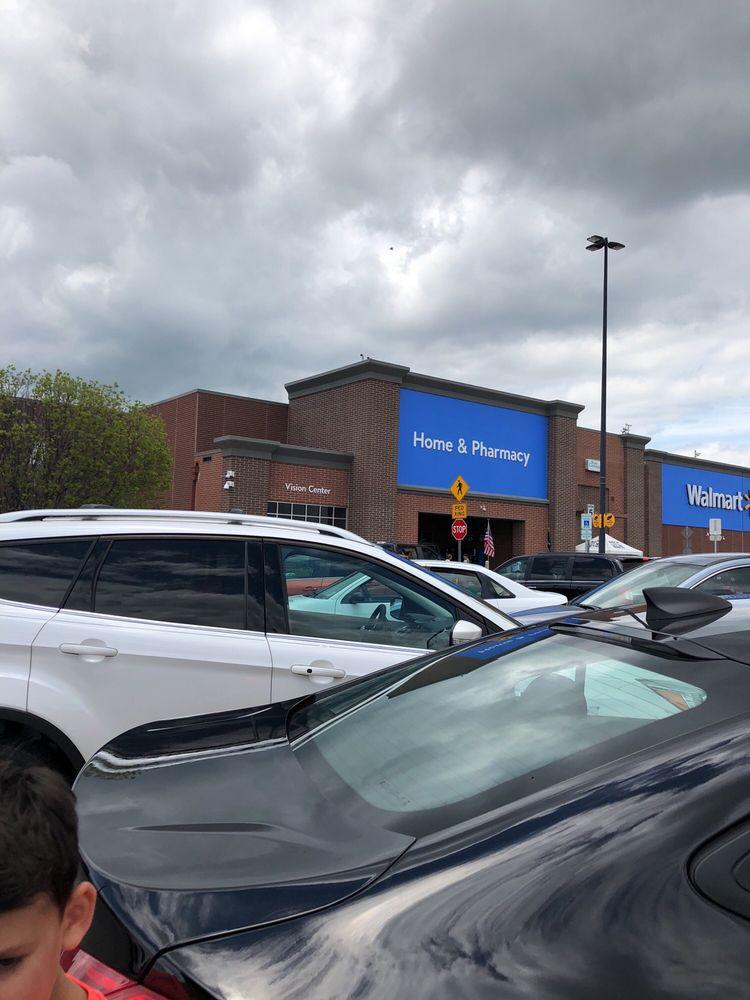 Walmart Supercenter: 6100 Ronald Reagan Dr, Lake Saint Louis, MO