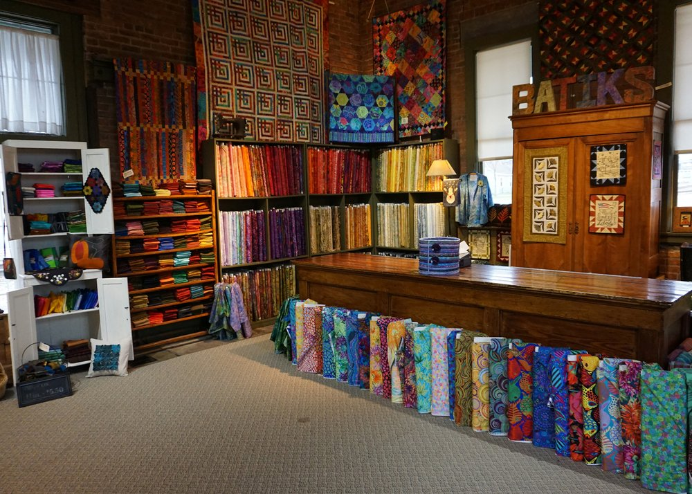 Eagle Creek Quilt Shop: 333 2nd Ave W, Shakopee, MN