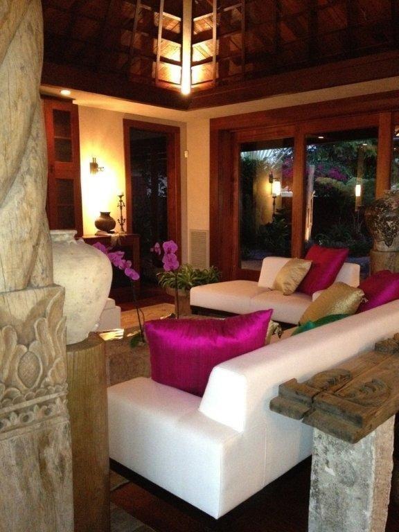 Jeanne Marie Imports Furniture Shops 74 5583 Luhia St Kailua Kona Hi United States
