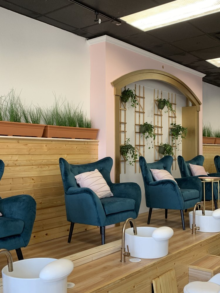 The pink rose salon: 5875 Old Bullard, Tyler, TX