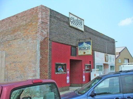 Checkers: 430 Cedar St, Queen City, MO