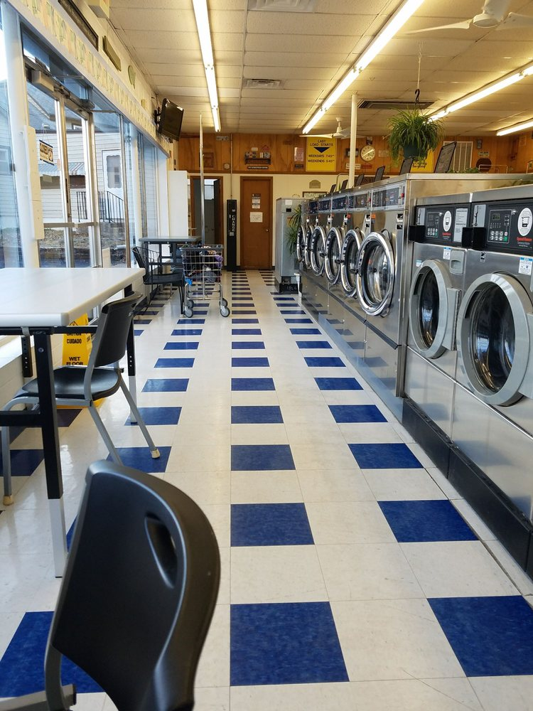Lenexa Coin Laundry - 10 Photos & 25 Reviews - Laundromat ...