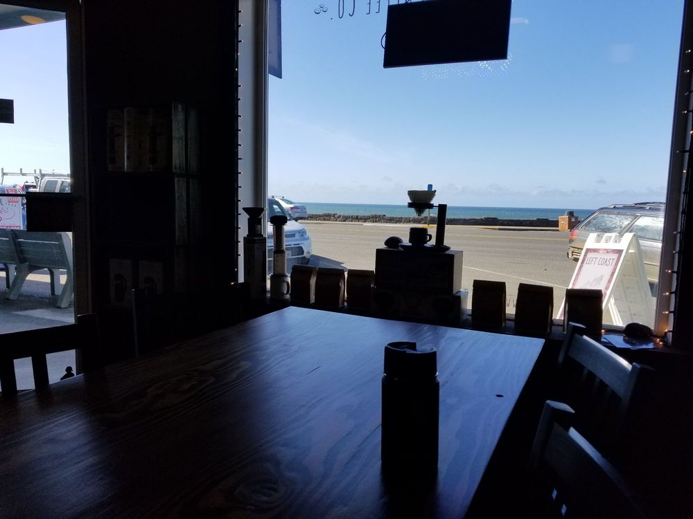 Left Coast Coffee: 26 N Hwy 101, Depoe Bay, OR