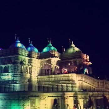 Baps shri swaminarayan mandir cultural center 625 for Annakut decoration ideas