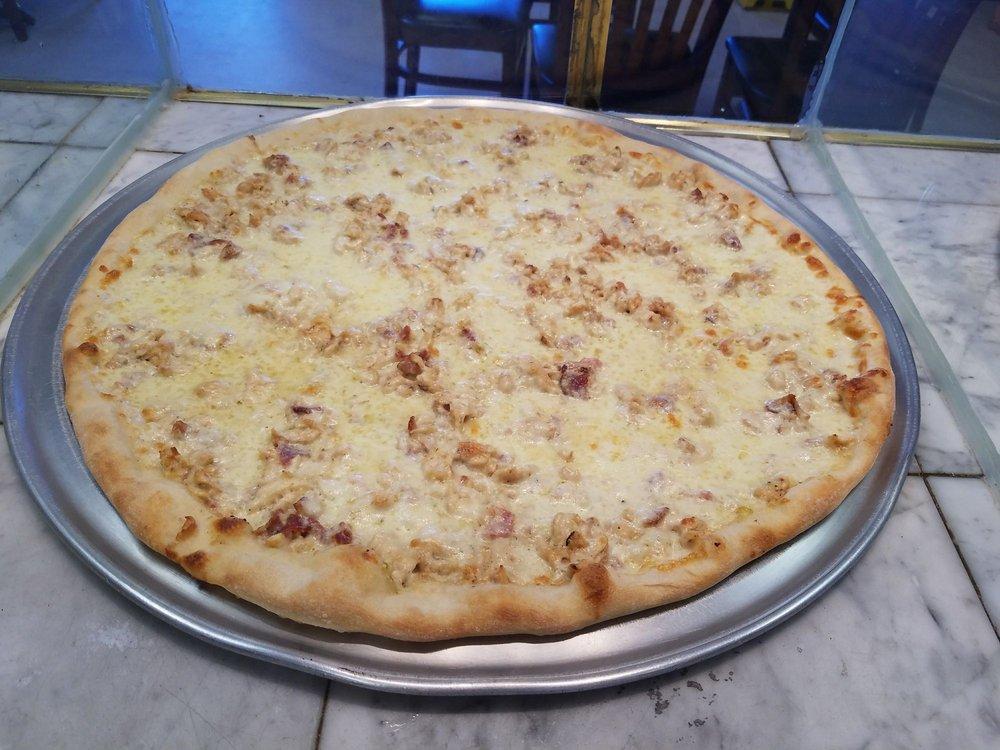Papi's Pizzeria: 558 Lakehurst Rd, Browns Mills, NJ