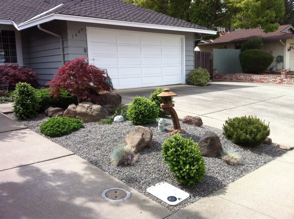 Japanese style mini rock garden gravel base slow growing for Low maintenance drought tolerant plants