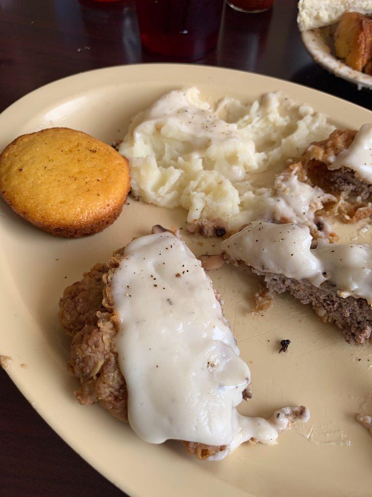Cookie's Place Resturant: 942 US-84, Teague, TX