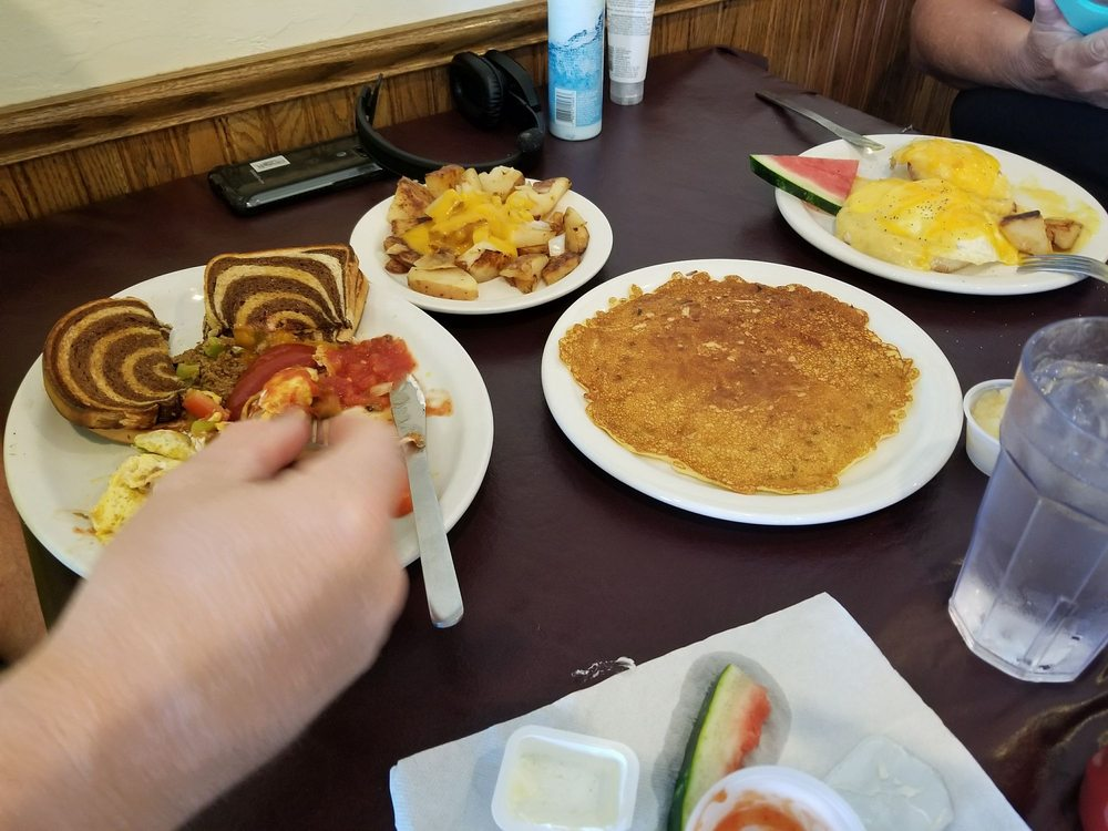Village Kitchen: 101 Old Orchard Ave, Casco, WI