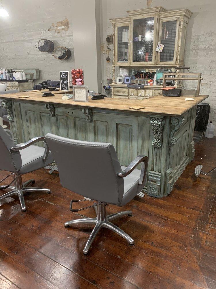 Belvia's On Main Salon And Day Spa: 105 W Main St, Elkin, NC