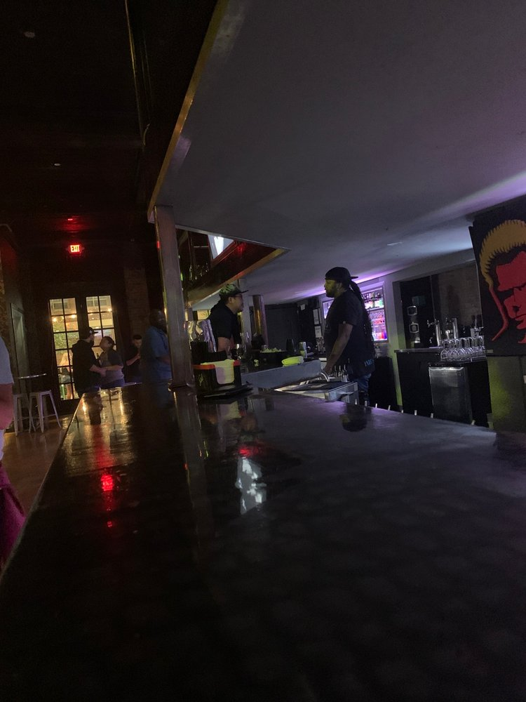 Etro Nightclub: 114 S Main St, Houston, TX