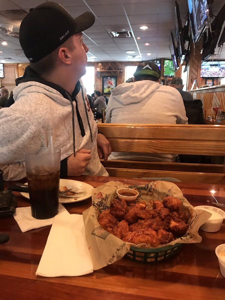 Roosters: 10 N Plaza Blvd, Chillicothe, OH
