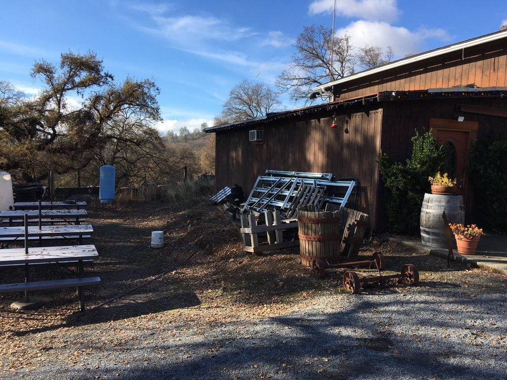 Bear River Winery: 2751 Combie Rd, Meadow Vista, CA