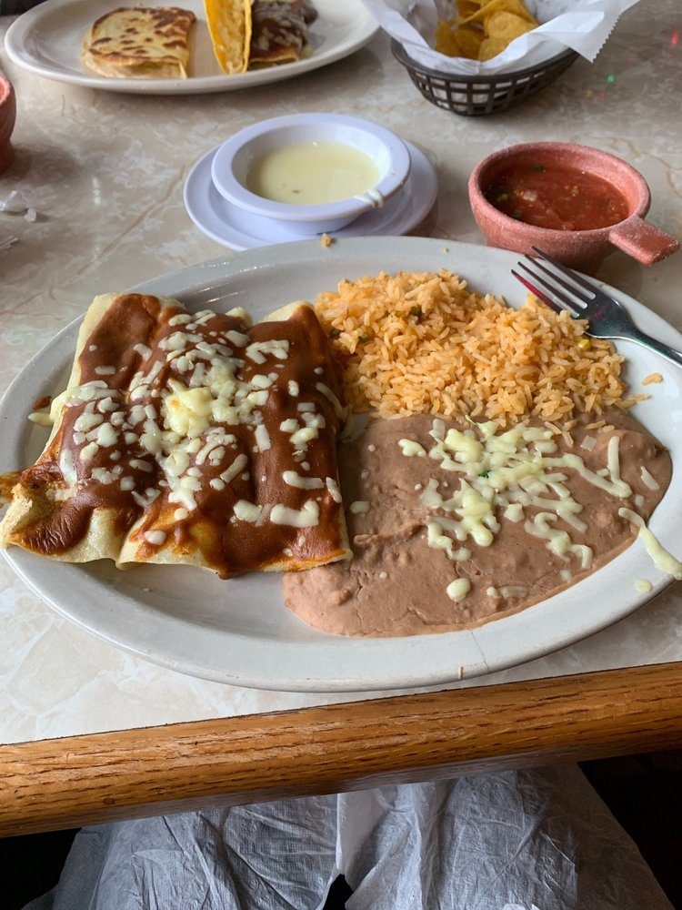 El Vecino Mexican Restaurant: 1492 Forestdale Blvd, Birmingham, AL