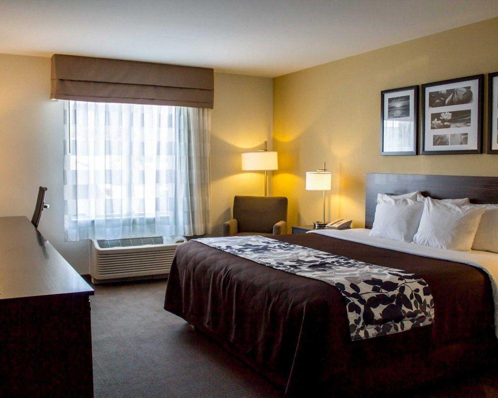 Sleep Inn & Suites: 8 Wal Mart Drive, Moundsville, WV