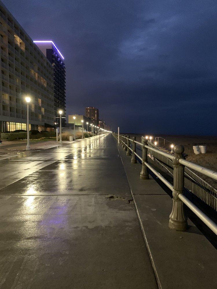 Villas At The Boardwalk - Slideshow Image 3