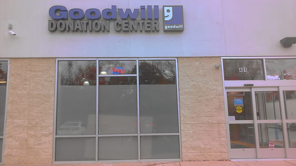 Goodwill Donation Center: 401 W Chester Pike, Havertown, PA