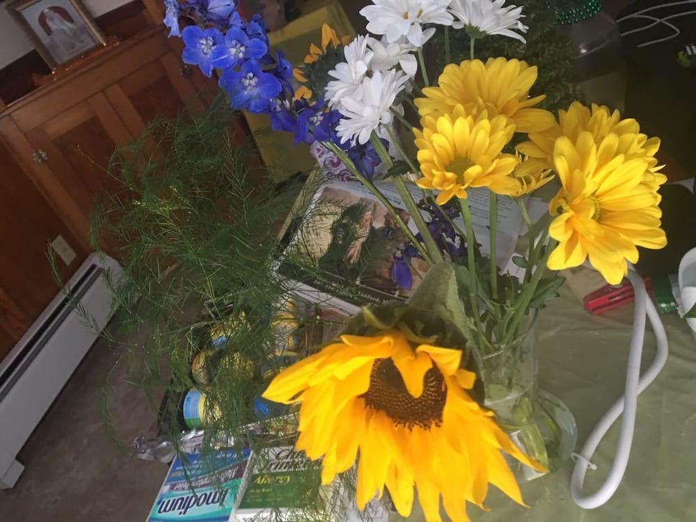 Majestic Flower Shop: 209 Main St, Saco, ME