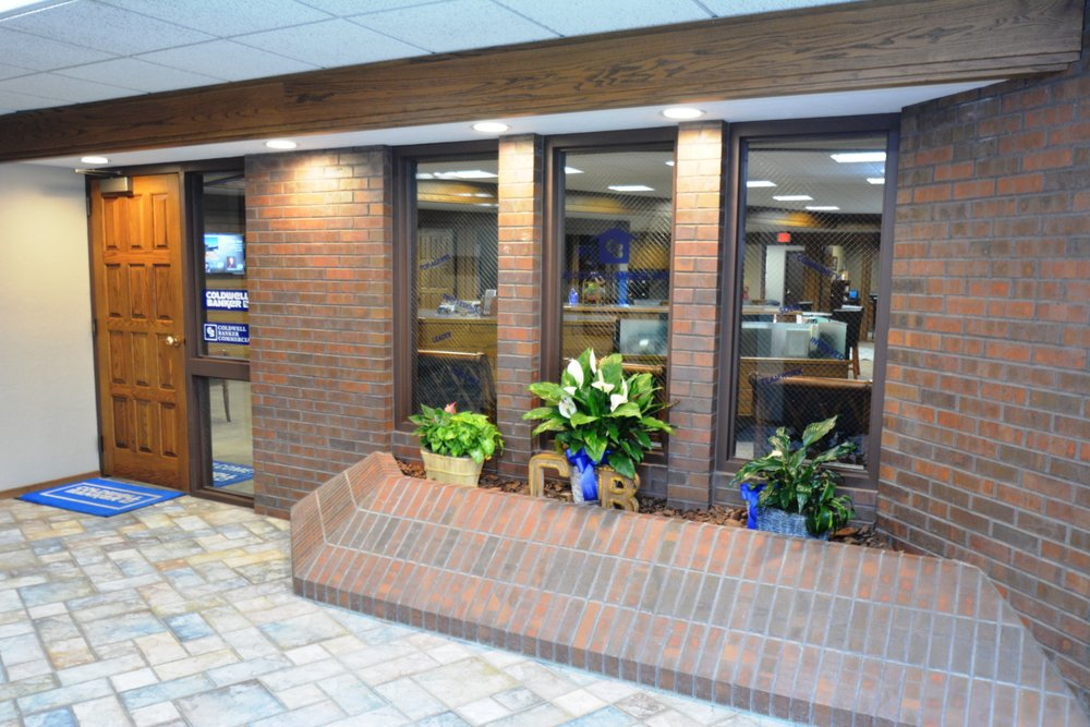 Coldwell Banker The Real Estate Shoppe 312 N 8th St Garden City Ks