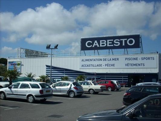 Cabesto quipement pour l ext rieur quartier lagoubran for Accessoires piscine ollioules