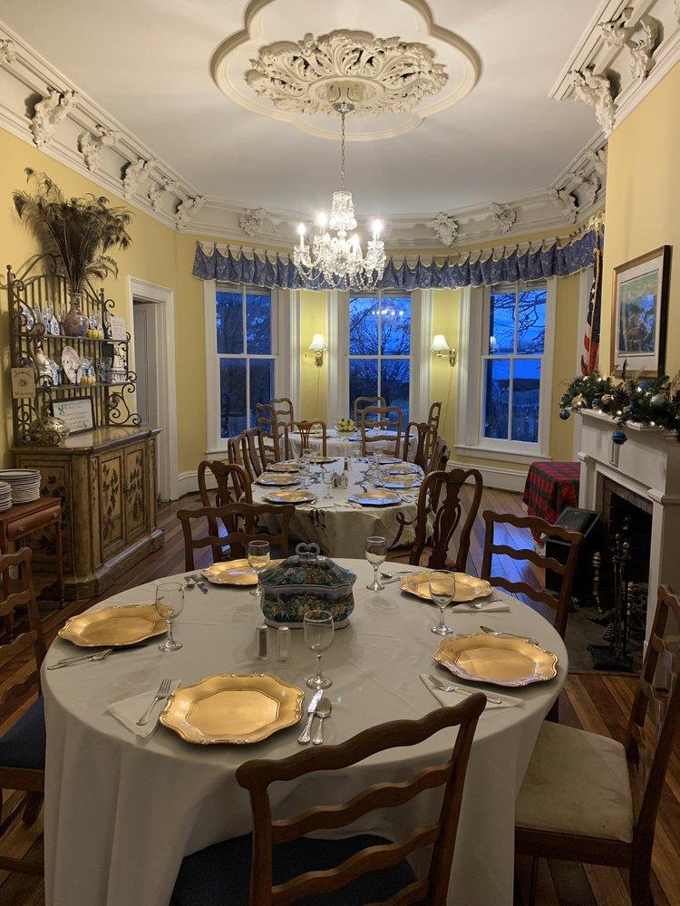 Rockwood Manor: 5189 Rockwood Rd, Dublin, VA