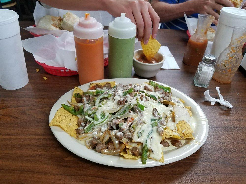 El Trebol Mexican Market & Restaurant: 1625 E Main St, Richmond, IN