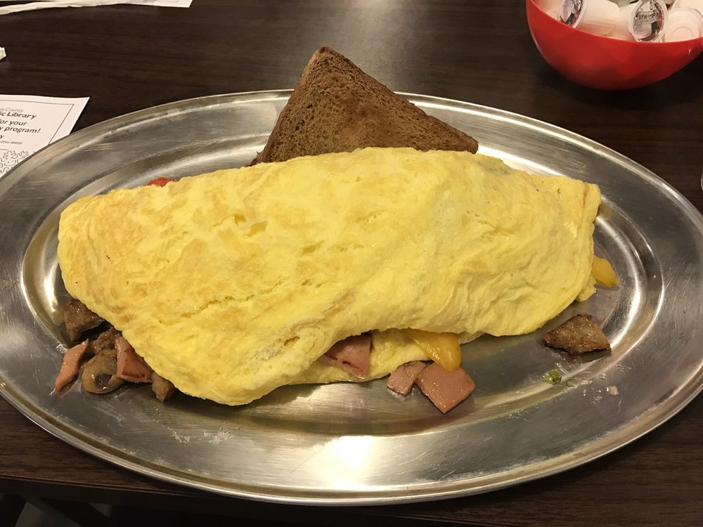 Rise and Dine Cafe: 12769 Chillicothe Rd, Chesterland, OH