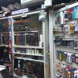 學校美術社 - 台灣, 台北市中正區的相片。學校美術社二樓賣很多色筆跟各式奇異筆