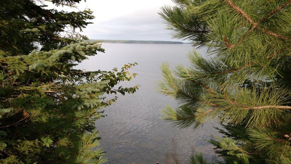 Siskiwit Bay Lodge Bed & Breakfast: 89405 Jack Pine Rd, Cornucopia, WI