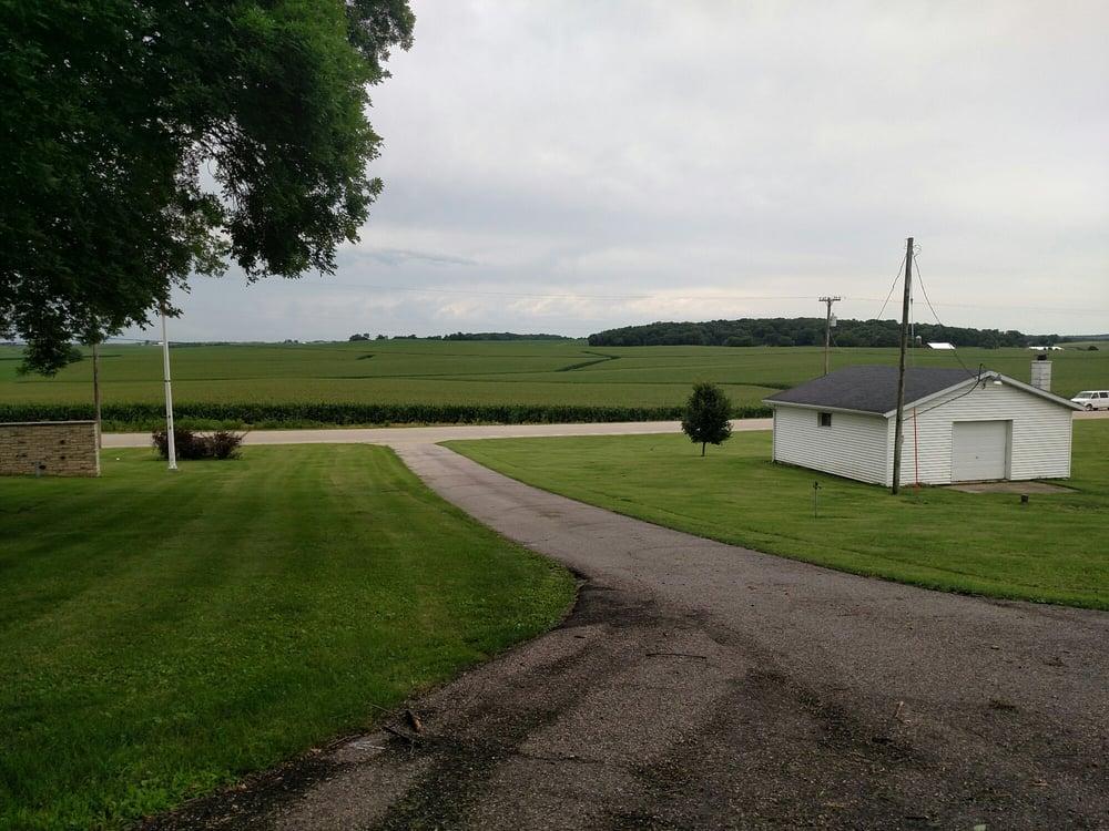 Campbell Cemetery: 7449 Mount Vernon Rd SE, Cedar Rapids, IA