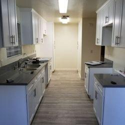 Photo De Magnolia Floors And More   Burbank, CA, États Unis. White
