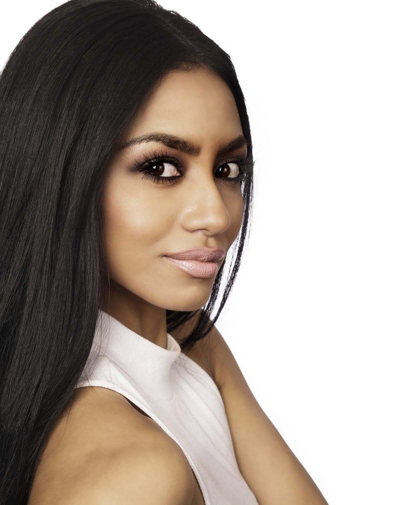 Metropolitan suite coiffeurs salons de coiffure 2300 for Samantha oups au salon de coiffure