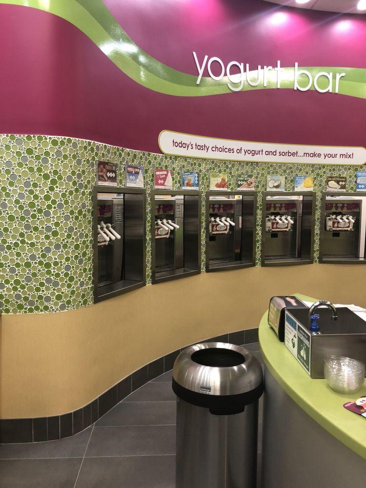 Menchie's Frozen Yogurt: 16351 Ford Rd, Dearborn, MI