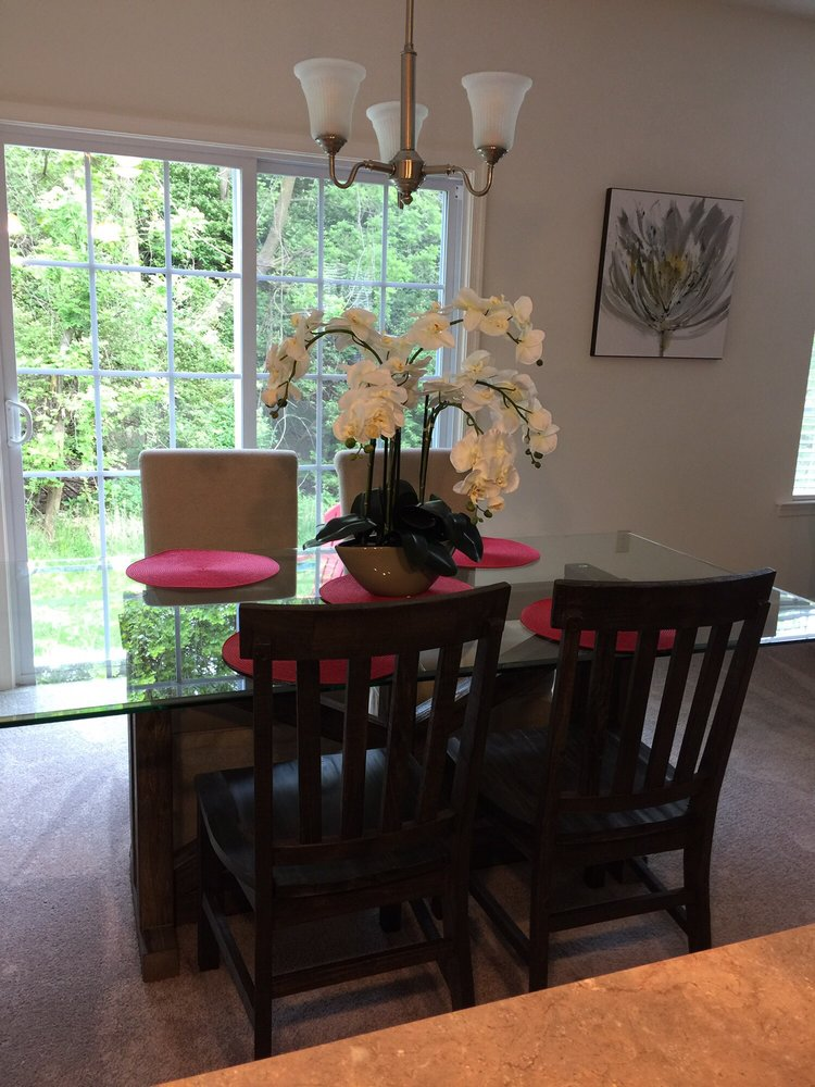 Mealey S Furniture Whitehall Lehigh Valley 17 Reviews Furniture Shops 2180 Macarthur Rd