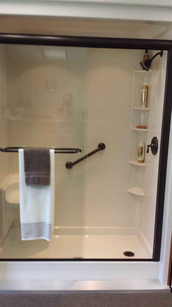 Bath fitter 20 photos 34 reviews contractor north for Bathroom fitters near me