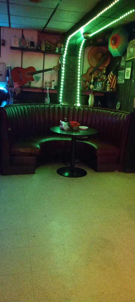 Cook's 2 Corner Tavern: 351 S Springfield Rd, Clifton Heights, PA