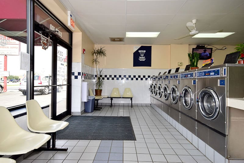 North Avenue Coin Laundry: 325 E N Ave, Northlake, IL