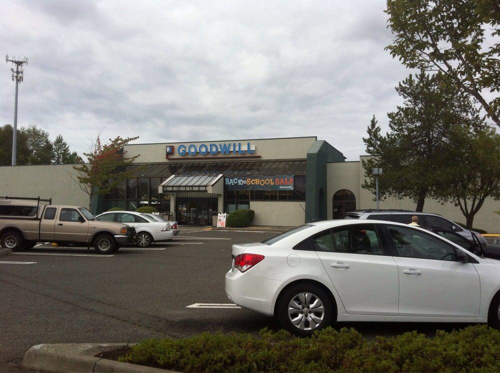 Goodwill Thrift Store Thrift Stores 1415 E 72nd St