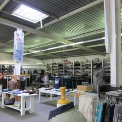 Jeans depot men 39 s clothing odenwaldring 86 offenbach for Depot offenbach
