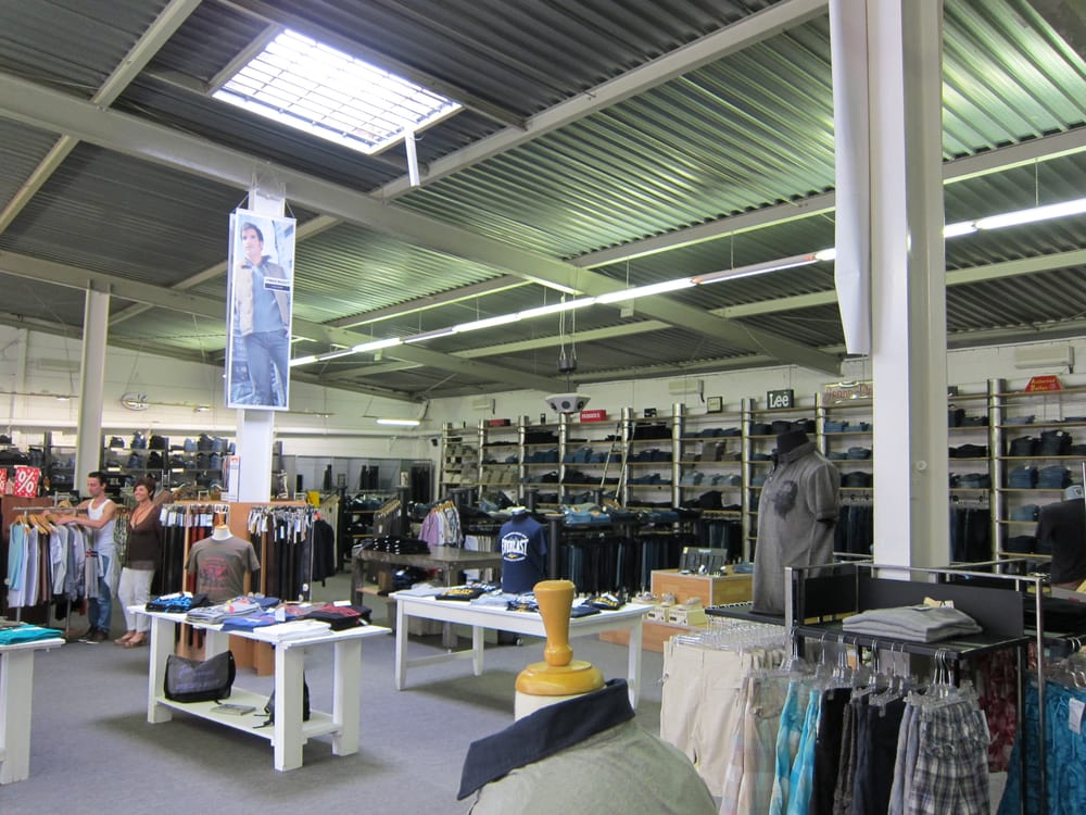 Jeans depot abbigliamento maschile odenwaldring 86 for Depot offenbach