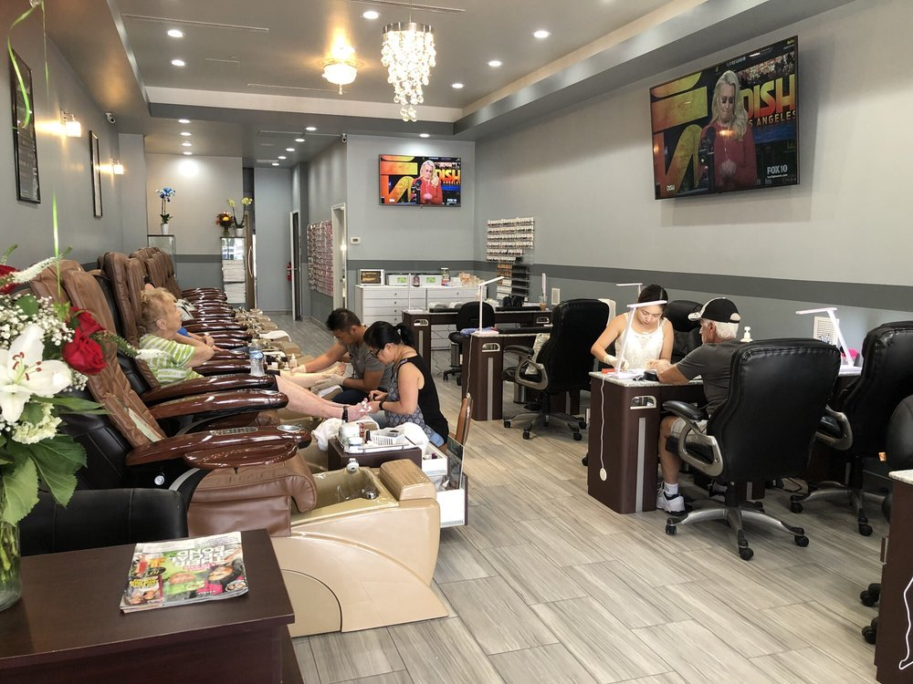 LK Nails & Spa: 16995 W Greenway Rd, Surprise, AZ