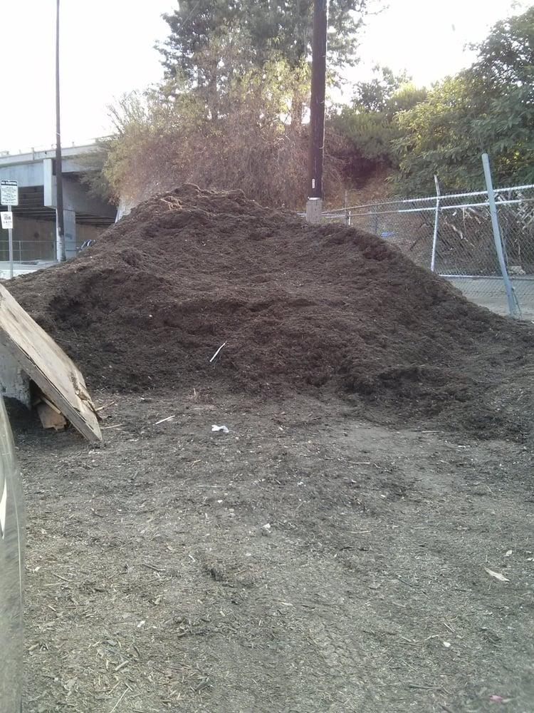 Free Mulch: 3000-3098 Gilroy St, Los Angeles, CA