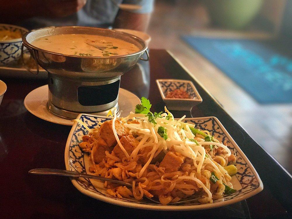 The River Thai Cuisine: 424 E Bidwell St, Folsom, CA