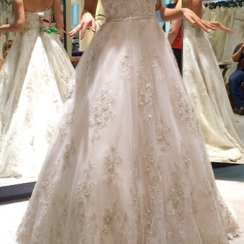 Almond tree wedding boutique phoenix az discount wedding for Cheap wedding dresses in az