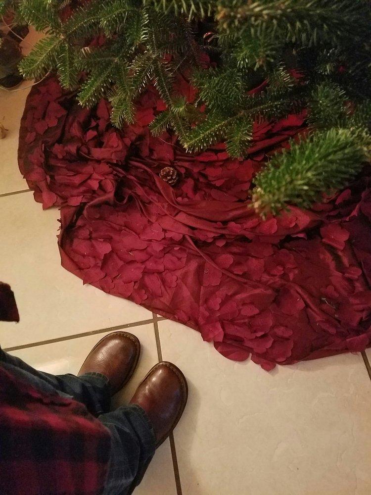 Delalla Shoe Repair: 2671 N Federal Hwy, Fort Lauderdale, FL