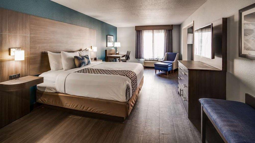 Best Western Plus Champaign/Urbana Inn: 516 W Marketview Dr, Champaign, IL
