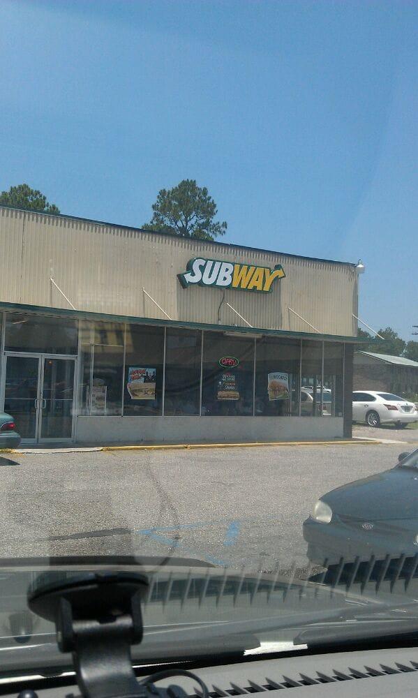 Subway: 13280 N Wintzell Ave, Bayou La Batre, AL