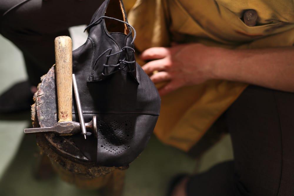 Clarkson Plaza Shoe Repair: 45 Clarkson Rd, Ellisville, MO