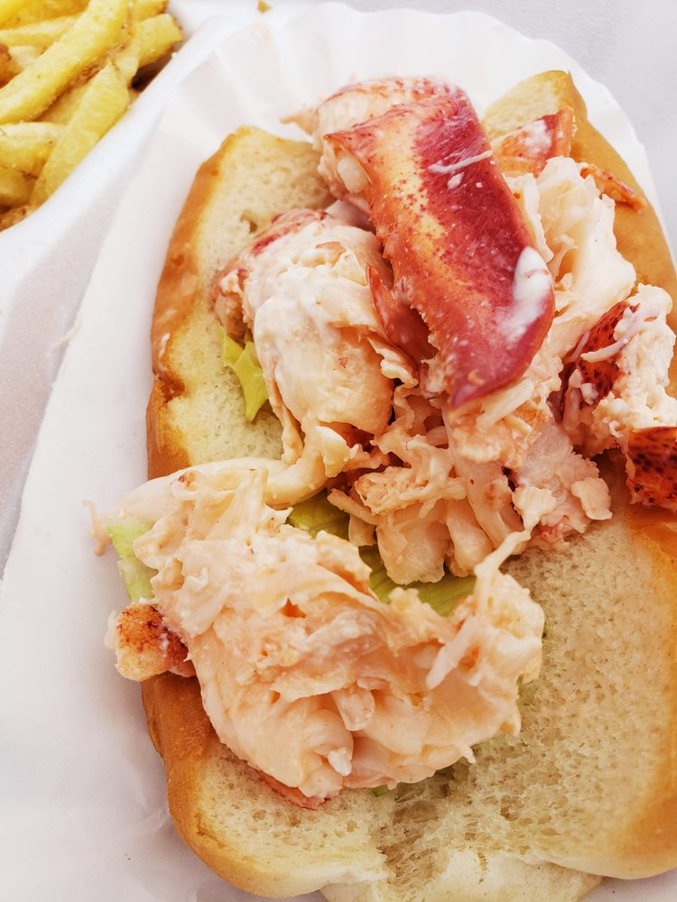 Food from The Lobstah Buoy