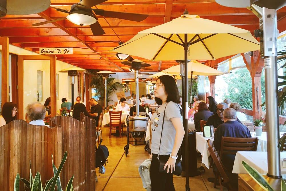 Photos for maison richard restaurant caf french bakery for Maison richard